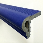 Escaloborde Azul Marino Medidas : 5x6x36 cm.
