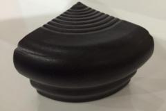 Cantonera Negro Medidas: 5x6 cm