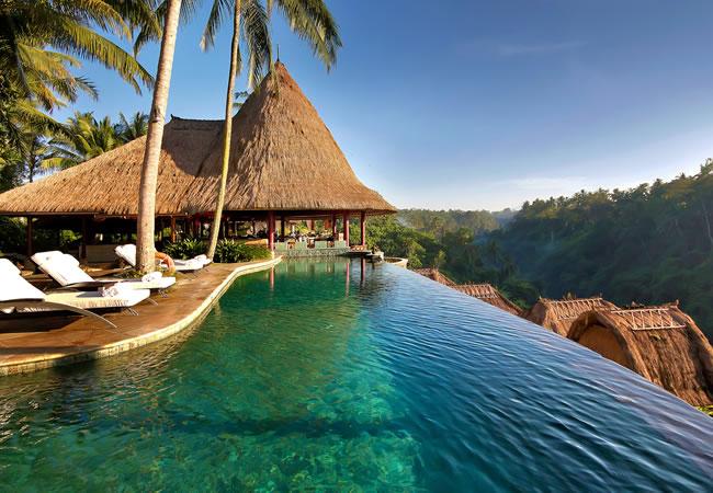 piscina sin fin en indonisia